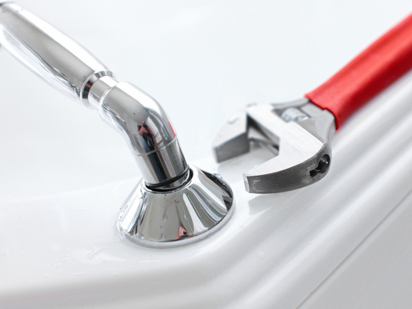 Fix Plumbing Problems In Your Home